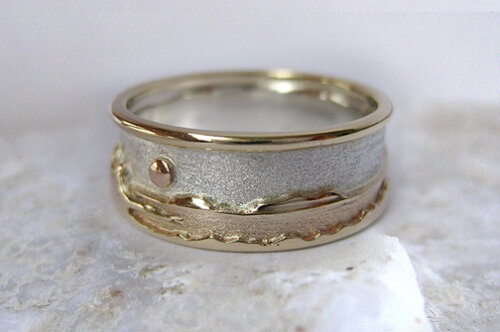 Photo - Landscape rings: Two-tone Shoreline ring with rim