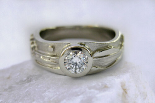 Photo - Landscape rings: Shoreline ring with 25 pt. Canadian Diamond
